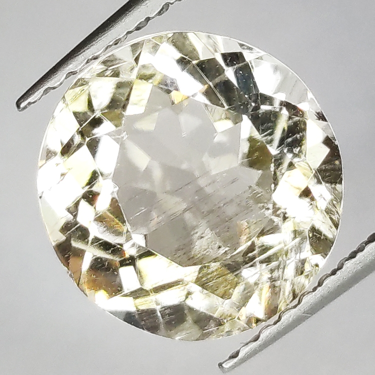 3.78ct Scapolite Oval Cut