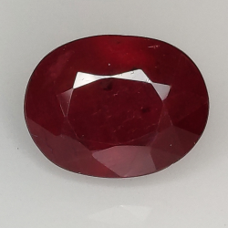Ruby oval cut 9x7mm 1pz