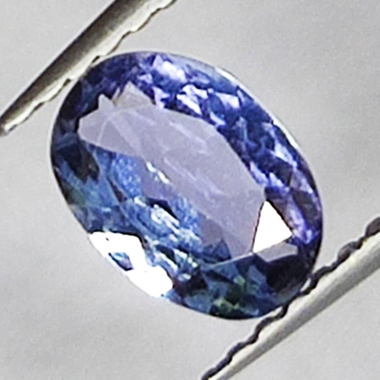 0.81ct Tanzanite oval cut 6.8x4.9mm