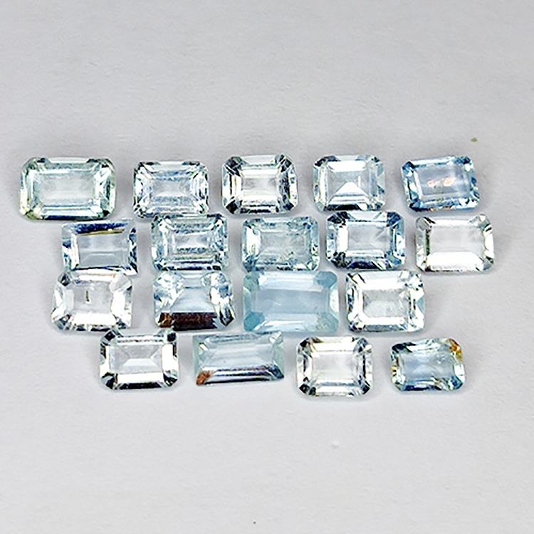 3.51ct Emerald cut aquamarine 4.9x3.1mm 18pc